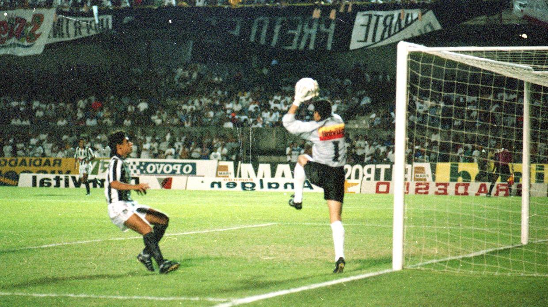 Relembrar E Viver Reveja Ceara X Corinthians Em 1995 E Saiba Por Que Foi Um Jogo Historico Jogada Diario Do Nordeste
