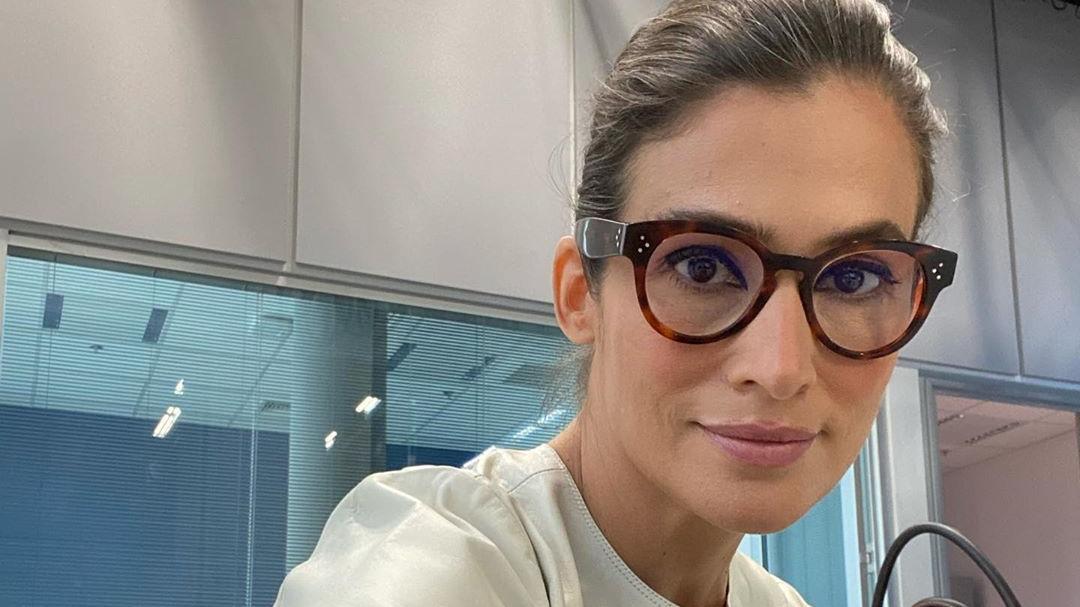 Segundo a assessoria da emissora, a ausência de Renata Vasconcellos não tem relação com a Covid-19