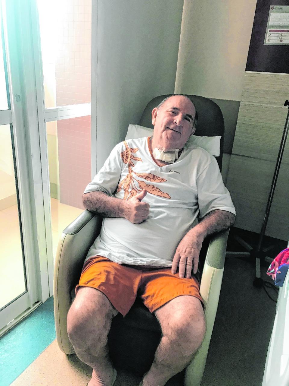 O contador Luís Alberto voltou para casa após 33 dias no hospital