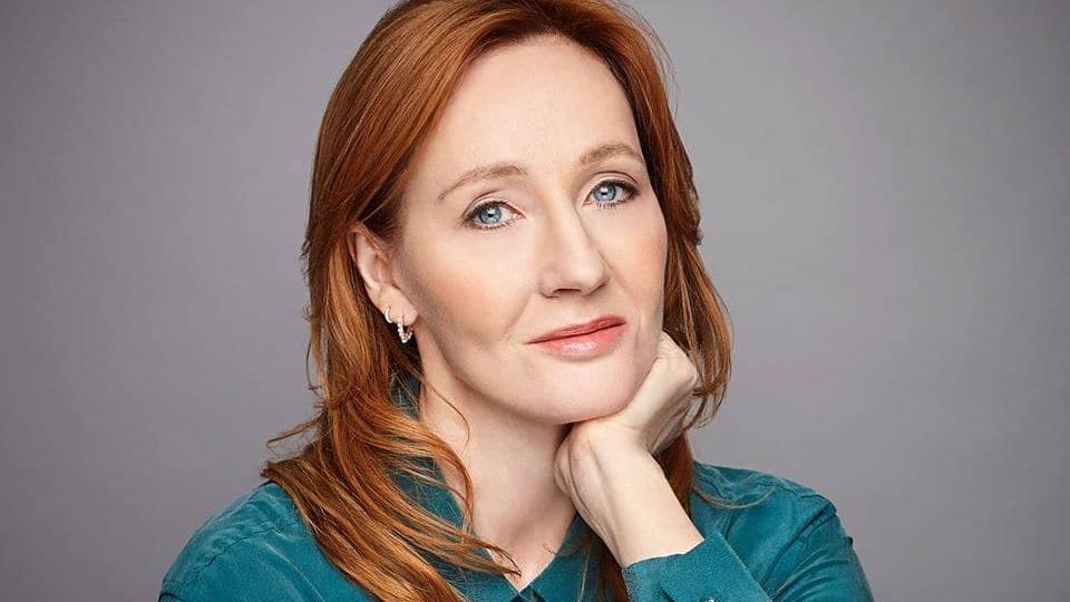 Autores deixam agência de JK Rowling após declaração dela considerada transfóbica - Verso - Diário do Nordeste