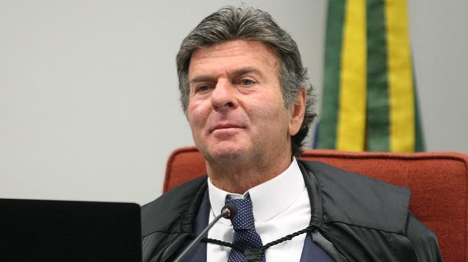 Fux é eleito presidente do STF e diz que vai se empenhar pela luta da  democracia - Política - Diário do Nordeste