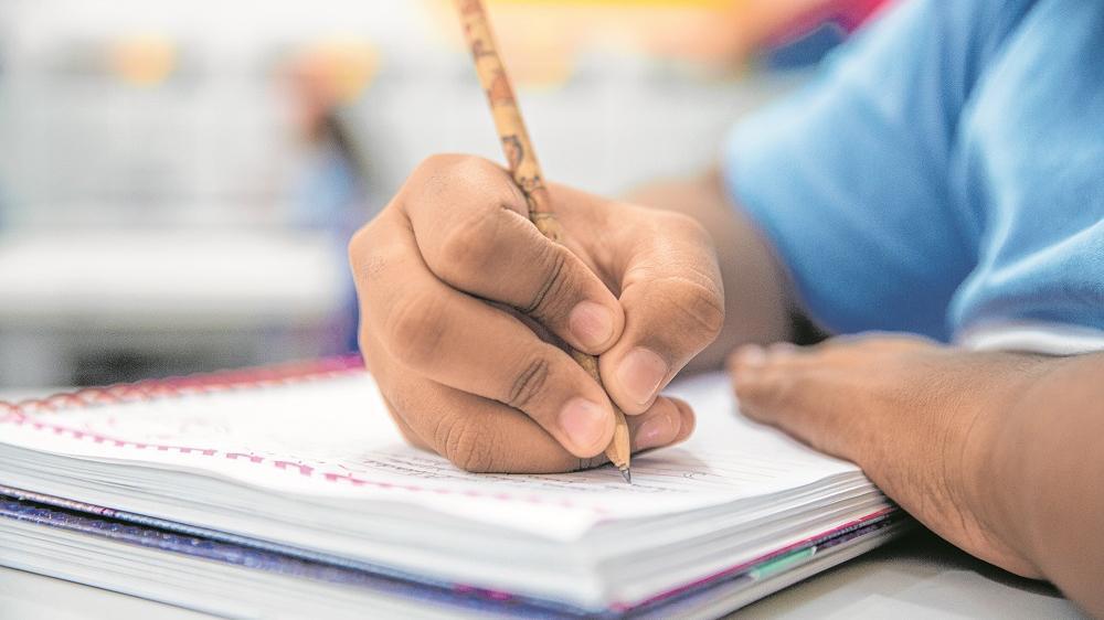 O estudo também abrange os avanços no ensino das instituições nos últimos anos e verifica o Índice de Desenvolvimento da Educação Básica (Ideb).