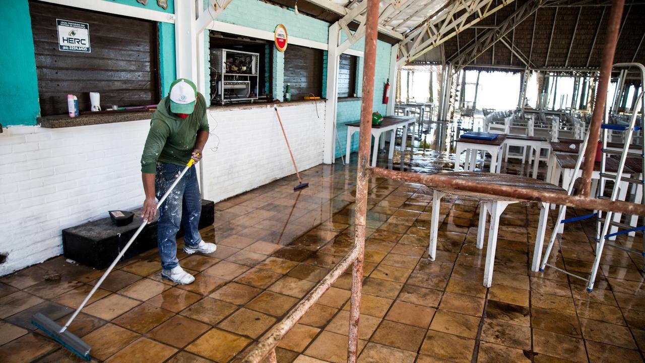 Barraca Praia Pandemia Fortaleza