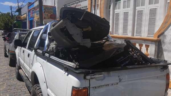 Homem preso com peças de carro roubadas