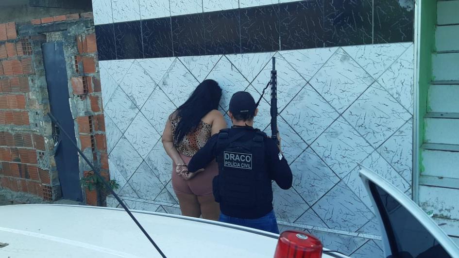 Três mulheres, que assumiram funções importantes nas facções criminosas, foram presas em operações