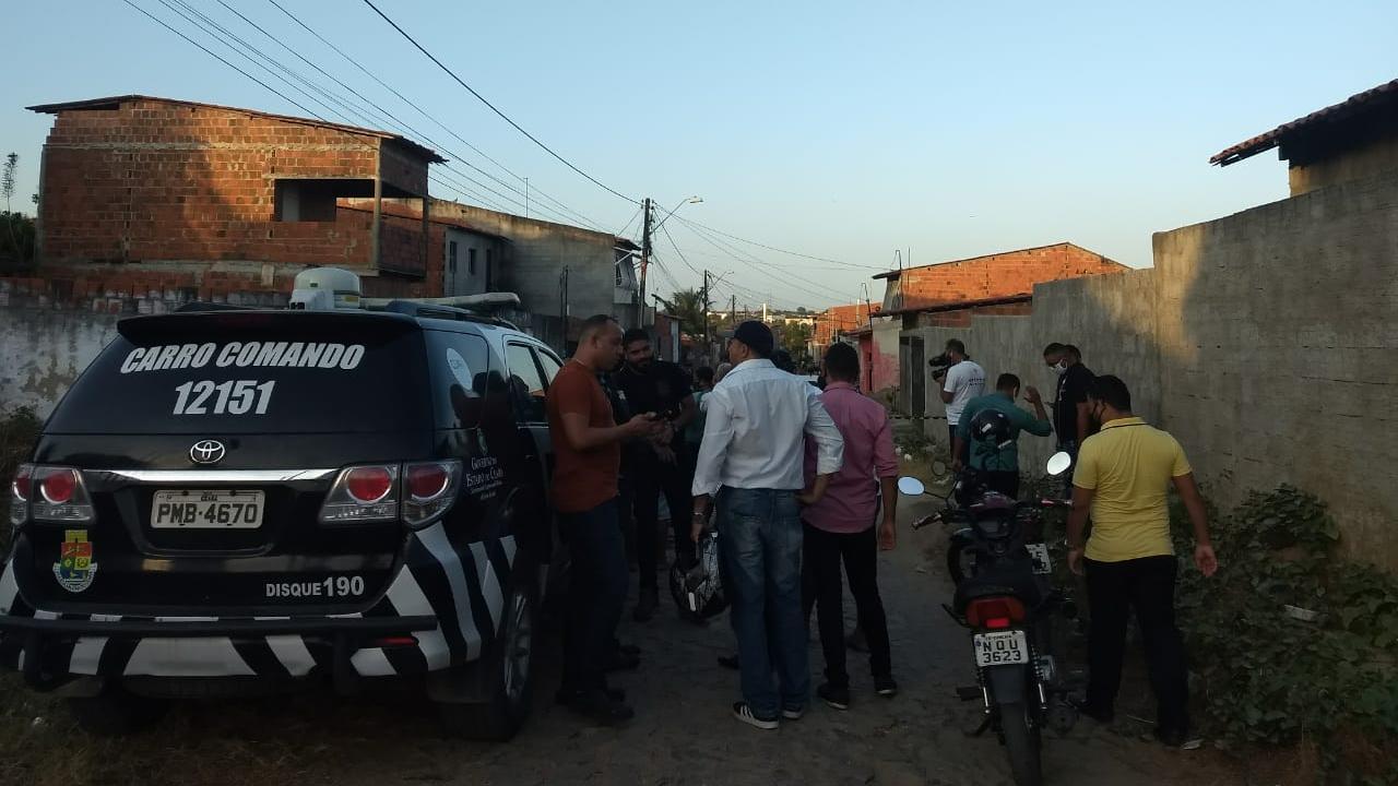 Composições das polícias Civil e Militar participaram da operação, que tinha o objetivo de prender Wandiney Matos