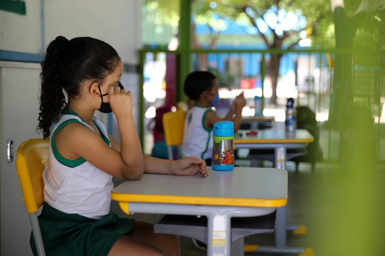 Governo do Ceará libera retorno de atividades presenciais a partir desta quinta-feira, 1º de outubro, a mais séries escolares.
