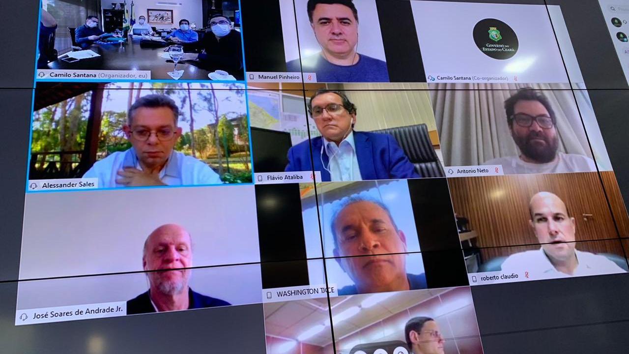 Imagem de reunião remota do governador Camilo Santana
