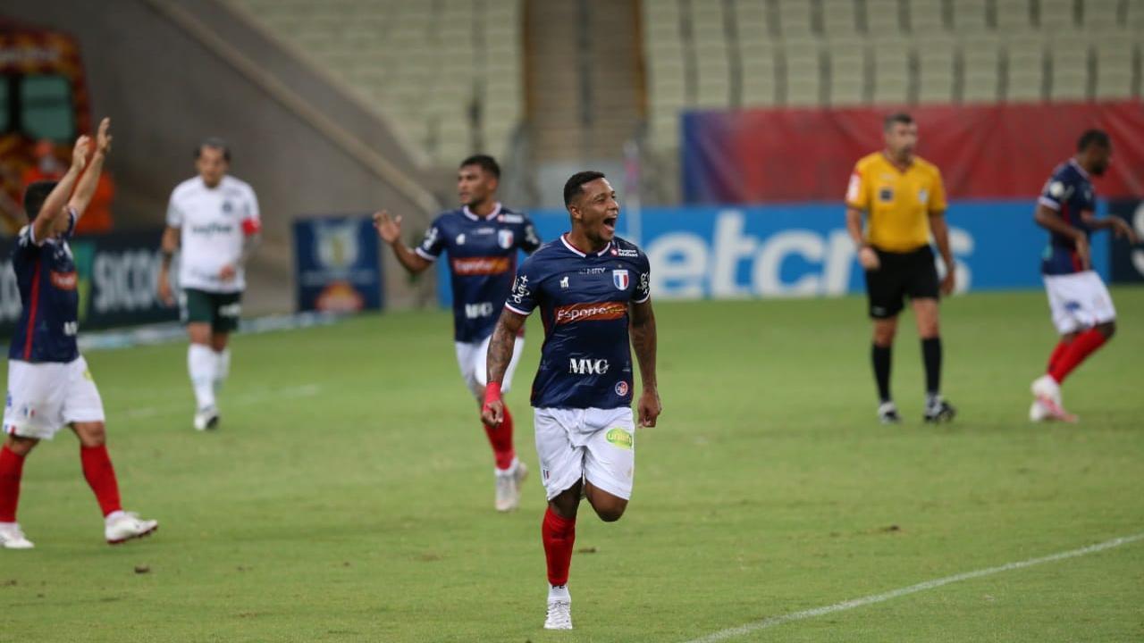 O atacante David, que desencantou com a camisa leonina e com dois gols diante do Palmeiras, é uma das armas de Ceni para o ataque