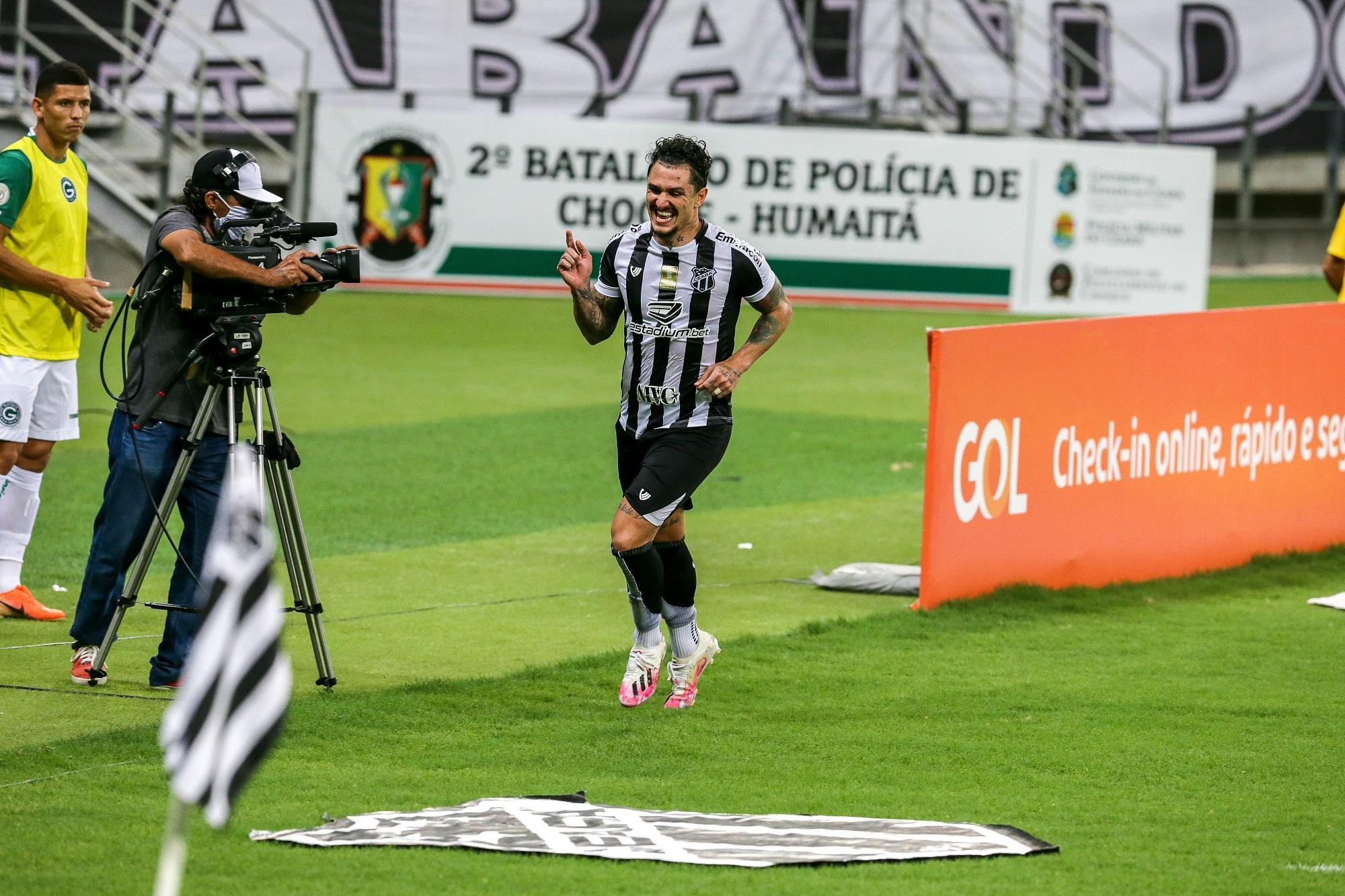 O meia Vinícius é o artilheiro do Vovô na temporada e marcou um belo gol no empate contra o Flu, sendo a referencia do time