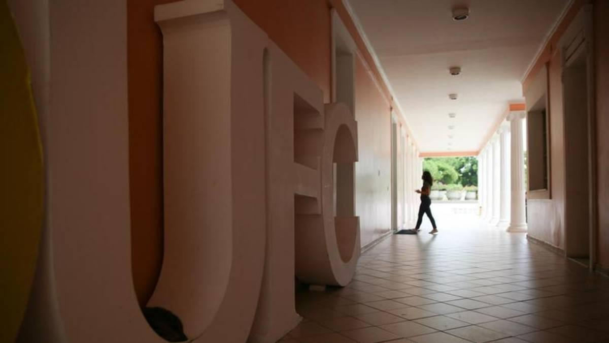 Portaria do Ministério da Educação (MEC) determina que instituições federais de ensino superior voltem às aulas presenciais, a partir de 4 de janeiro de 2021