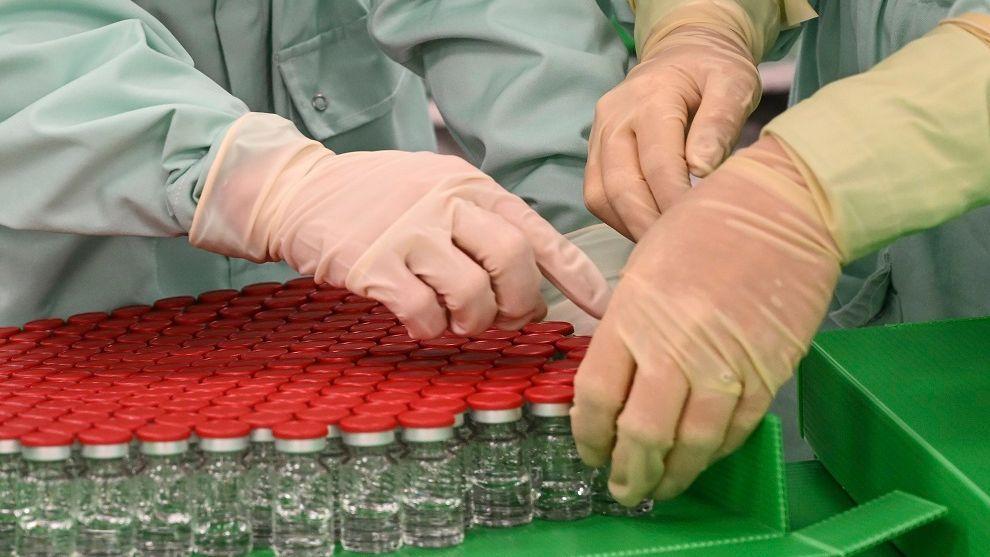 Segundo especialista, a maior parte das pessoas não desenvolvem nenhum tipo de efeito quando tomam a vacina.