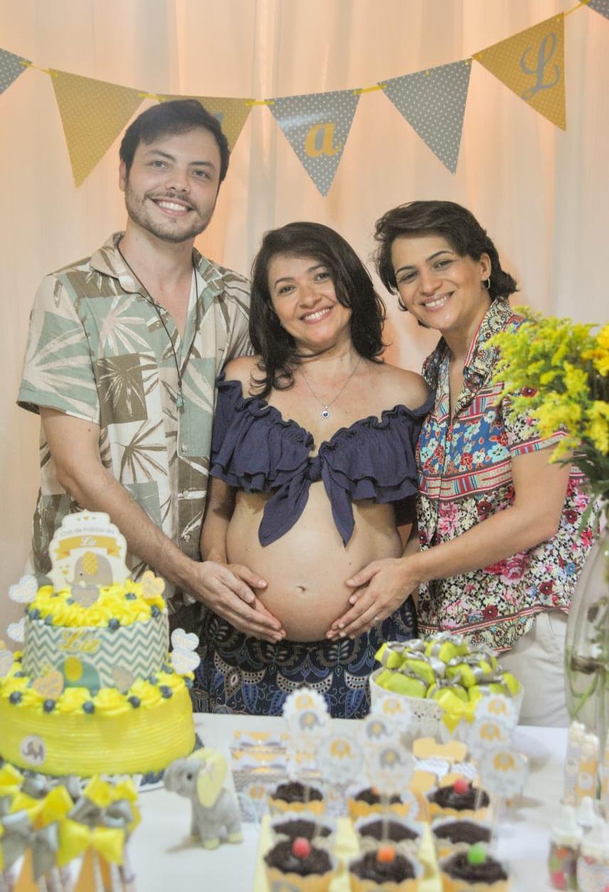 Família multiparental no Ceará, com duas mães e um pai