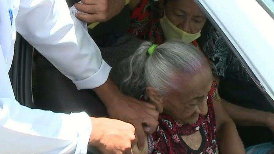 idosa vacinada/idosa vacina piauí/idosa vacinada no piauí/idosa vacina covid