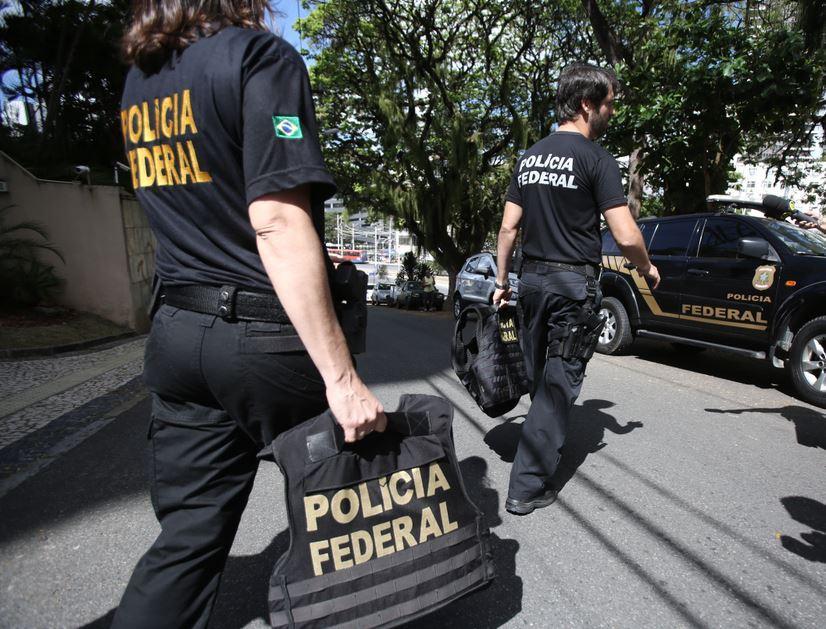 Concurso da Polícia Federal tem 450 mil inscritos, diz Jair Bolsonaro em  live - Papo Carreira - Diário do Nordeste