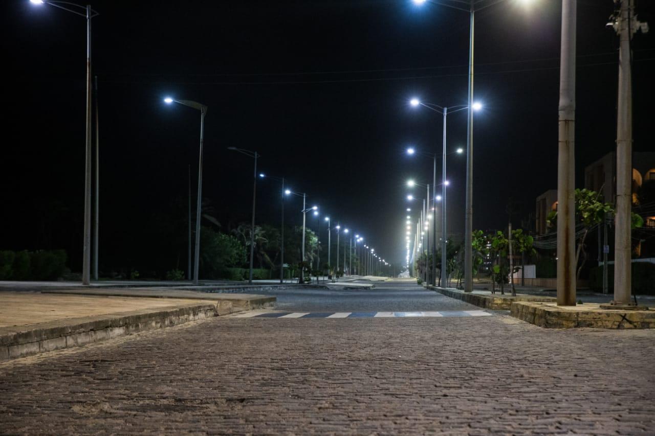 Rua vazia na Praia do Futuro