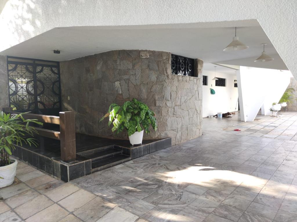'Robson Luxúria' foi preso em uma mansão em Iguatu, no Interior do Ceará