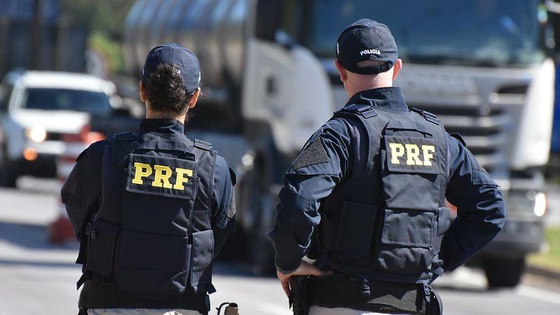 Agentes da PRF