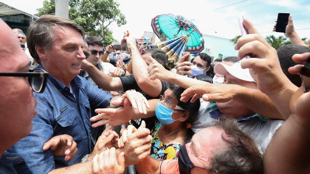 Durante visita ao Ceará, em fevereiro, presidente promoveu aglomerações e criticou medidas de isolamento