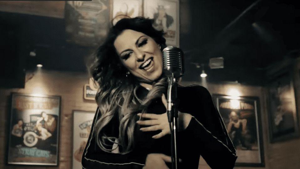 Cantora morta em Minas Gerais dividiu palco com Maiara e Maraisa e fez  sucesso com clipe no YouTube - É Hit - Diário do Nordeste