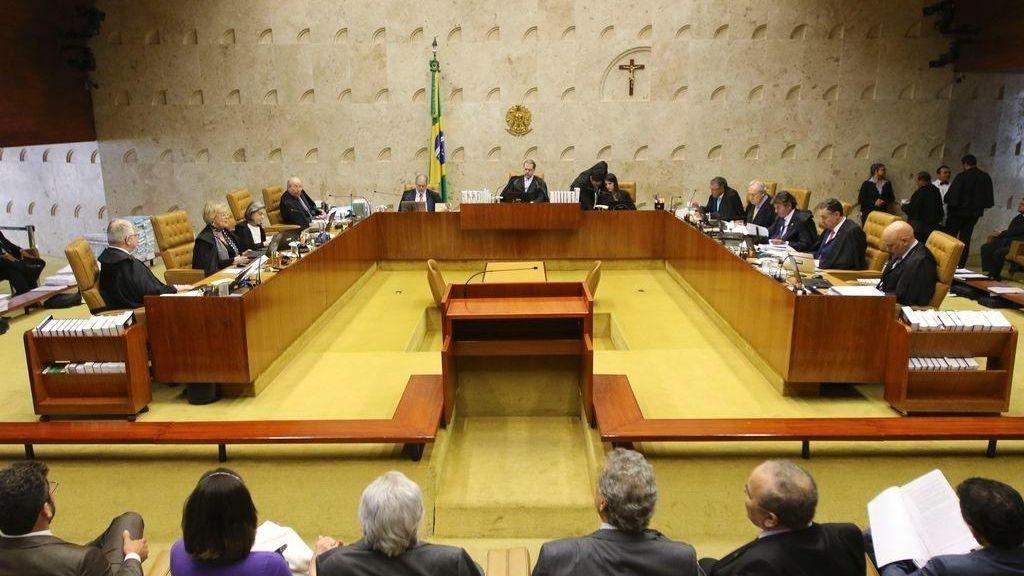 STF manda governo criar programa de renda básica para pessoas em extrema  pobreza - Negócios - Diário do Nordeste