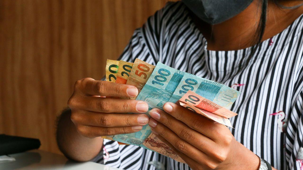 Dinheiro em mão
