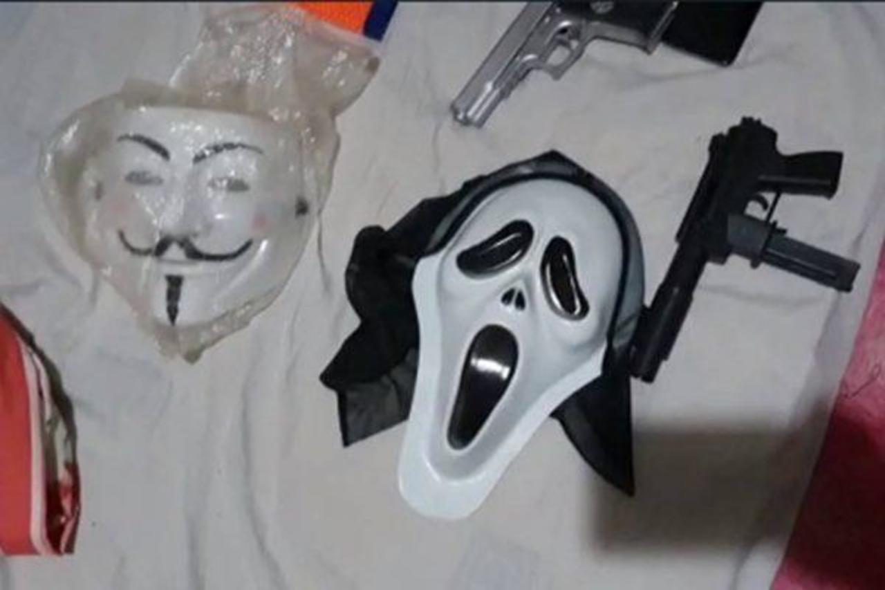 Máscaras e armas apreendidas pela Polícia Civil do DF
