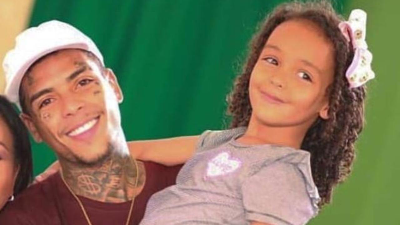 Herança de Kevin ficará para filha de cinco anos, diz mãe do cantor - É Hit  - Diário do Nordeste