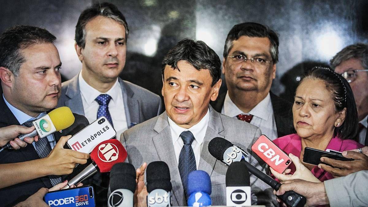 Presidente do Consórcio Nordeste, Wellington Dias, em entrevista com outros governadores da região