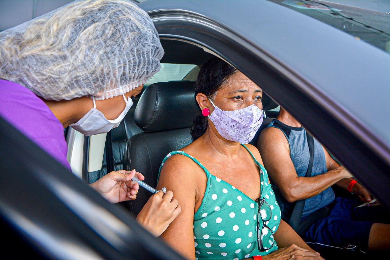 vacinação em drive-thru no maranhão