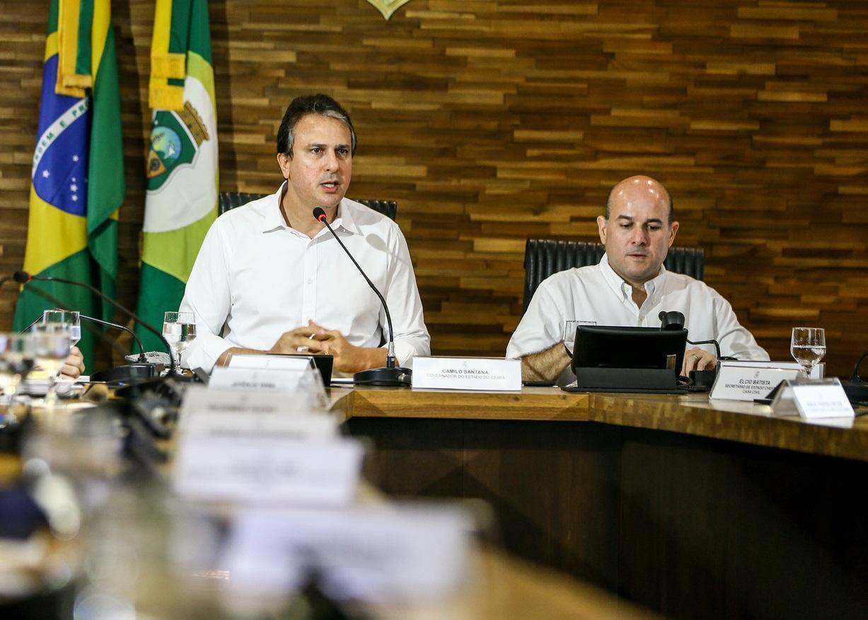 Camilo Santana e Roberto Cláudio dividem mesa