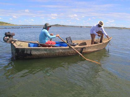 barco usado no monitoramento do castanhao