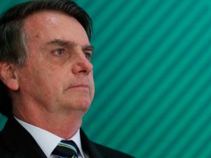 Jair Bolsonaro com soluço