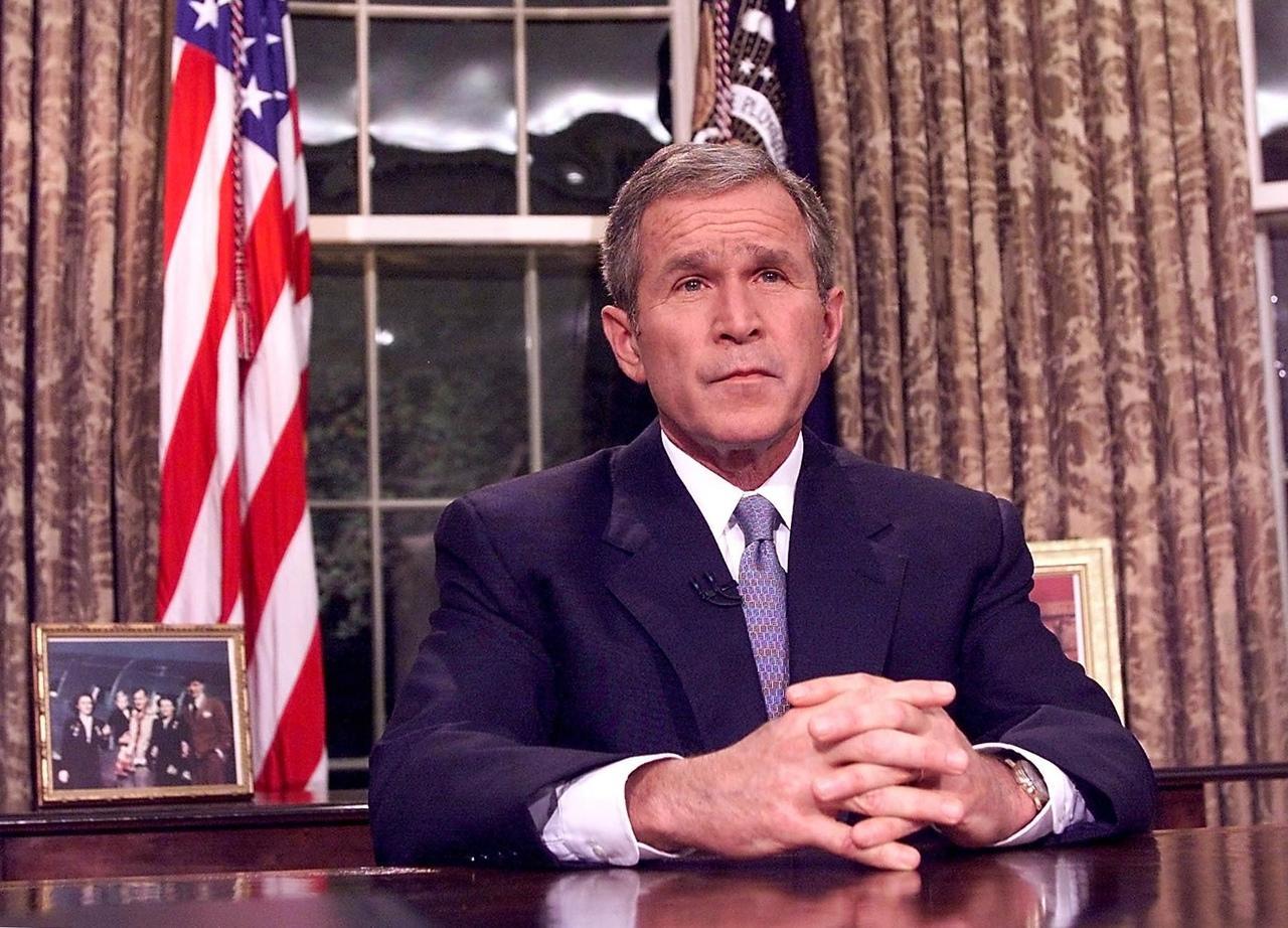 George W. Bush faz pronunciamento após atentados de 11 de setembro de 2001