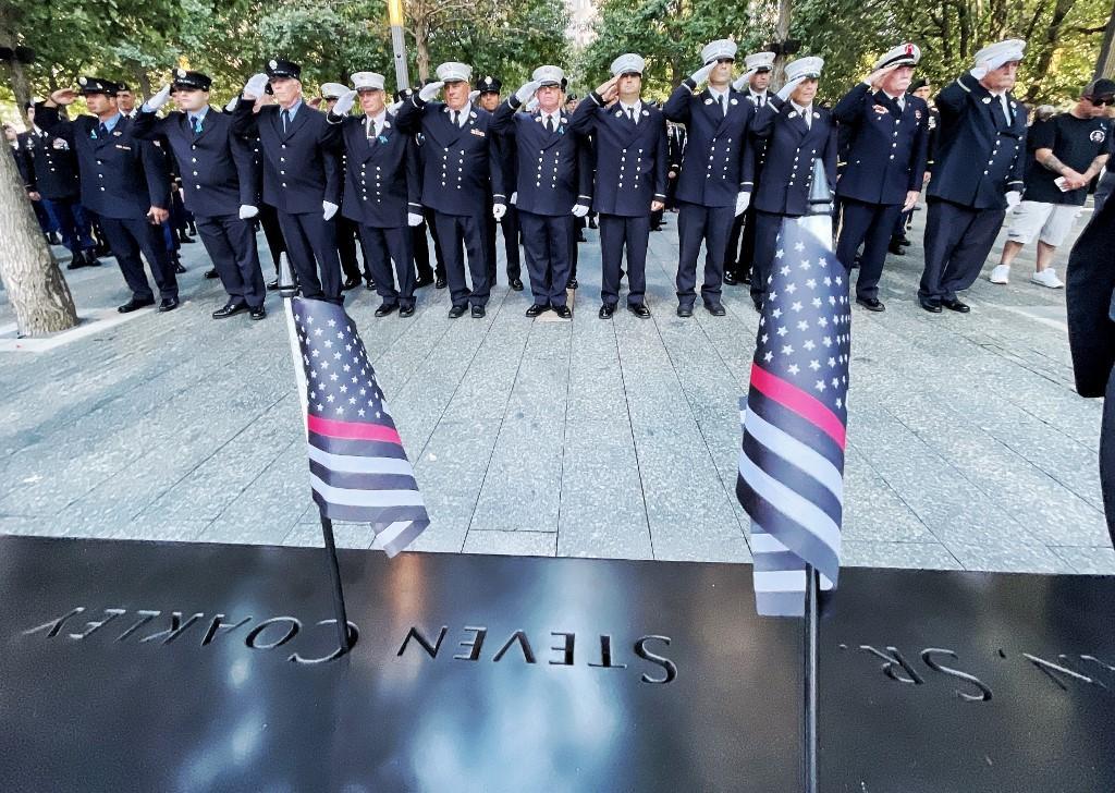 Bombeiros nas homenagens pelo 11 de setembro