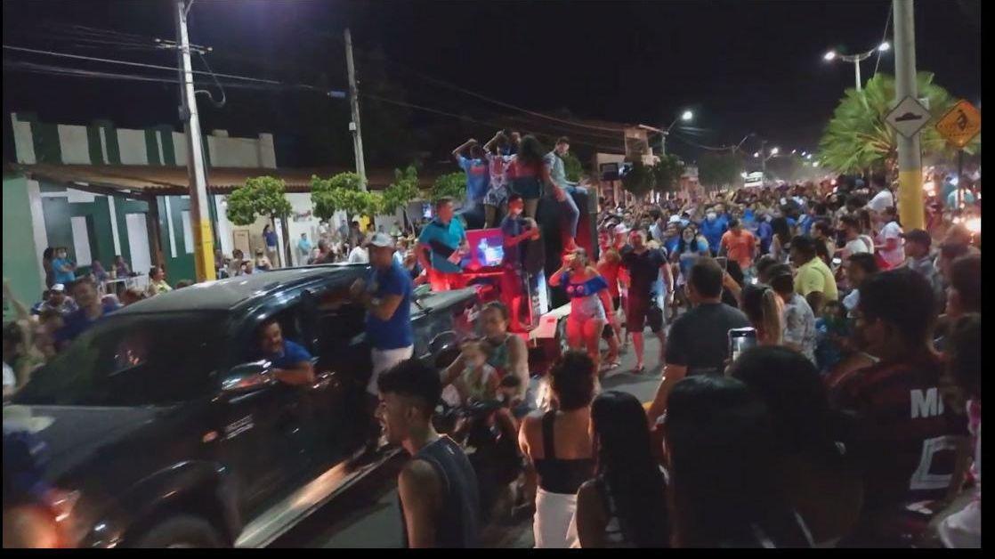 Em Jaguaruana, apoiadores da chapa cassada foram às ruas em passeata