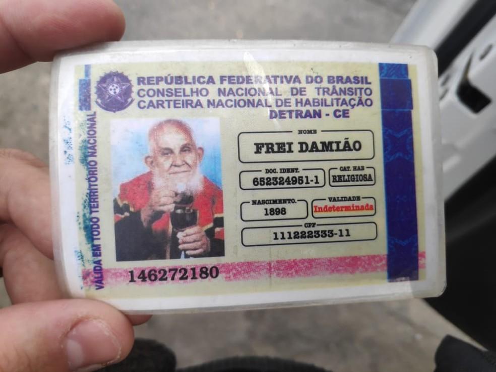 CNH falsa de Frei Damião