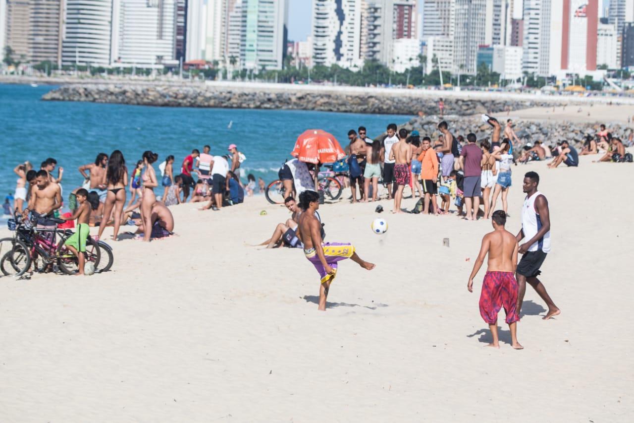 Aglomerações na Praia dos Crushs