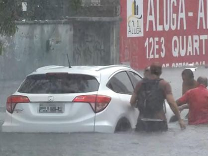 Veículo preso na Avenida Heráclito Graça