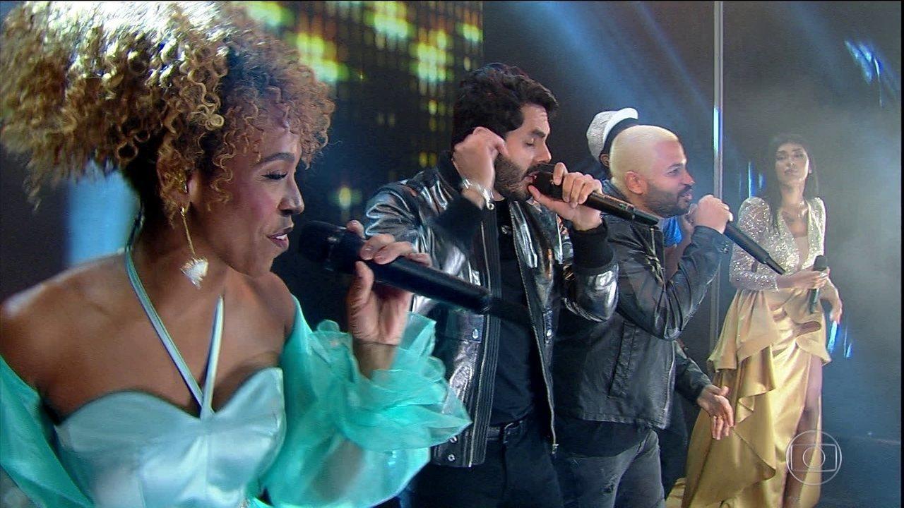 Artistas cantam na final do BBB