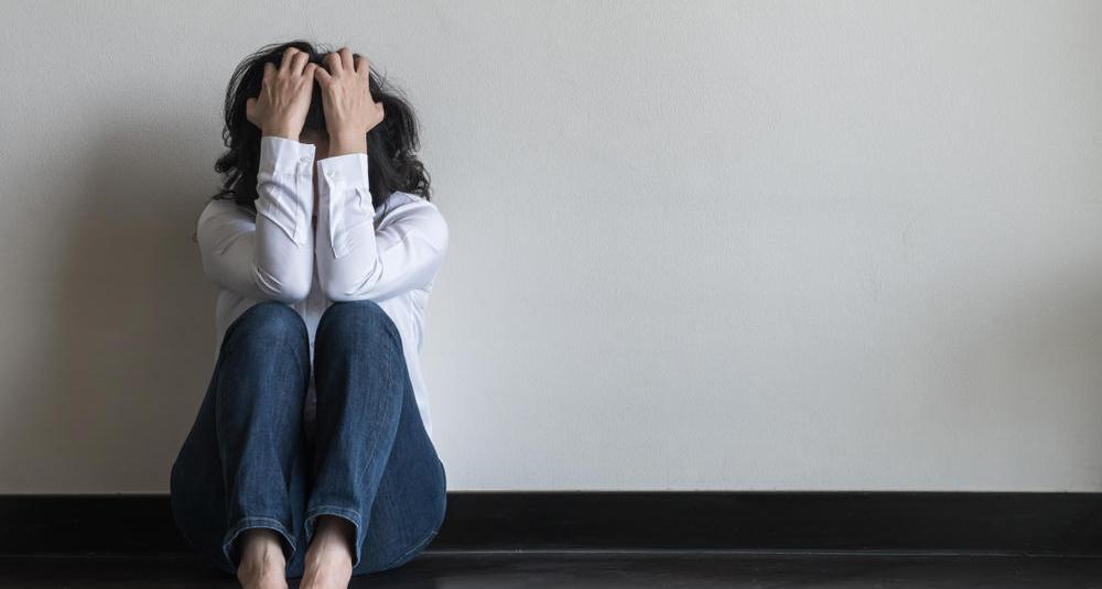 mulher em crise de ansiedade