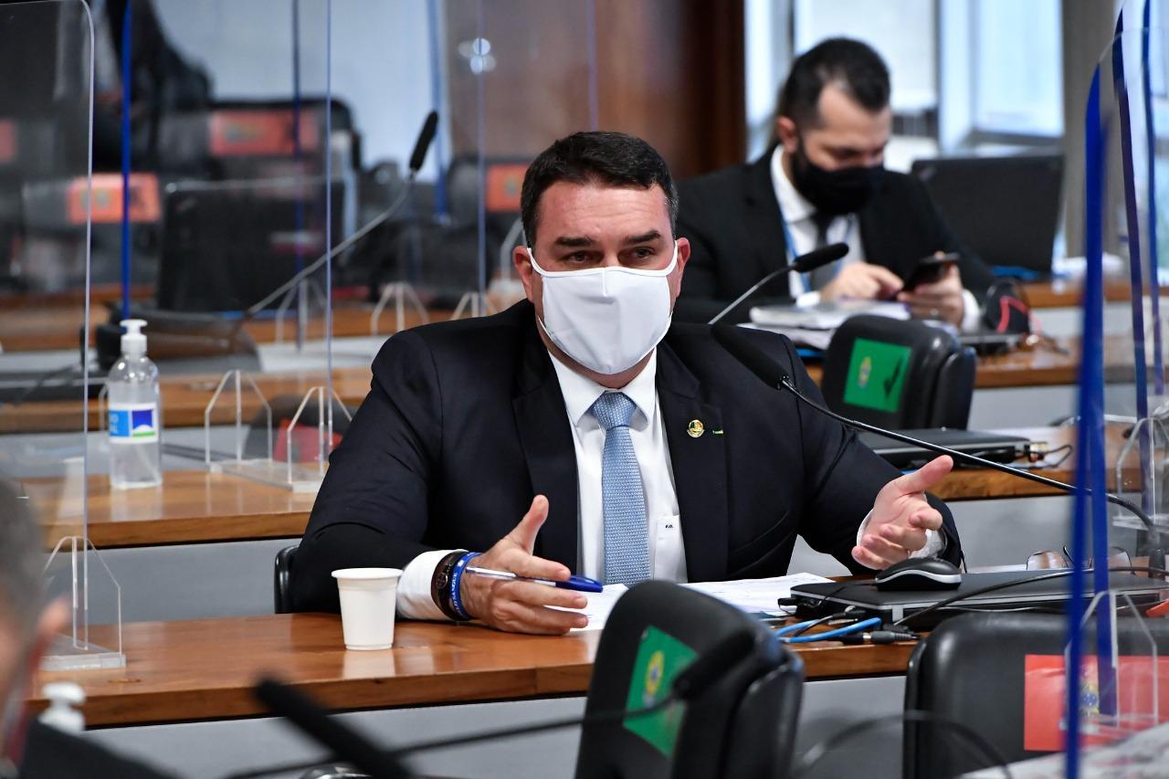 Flávio Bolsonaro em CPI da Covid