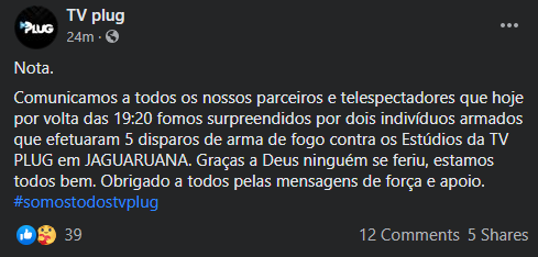 Print de nota da emissora TV Plug sobre ataque a tiros