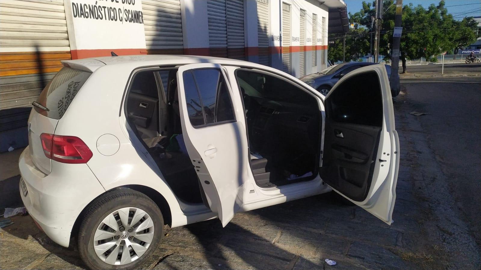 VW Fox na cor branca, em que os suspeitos estavam