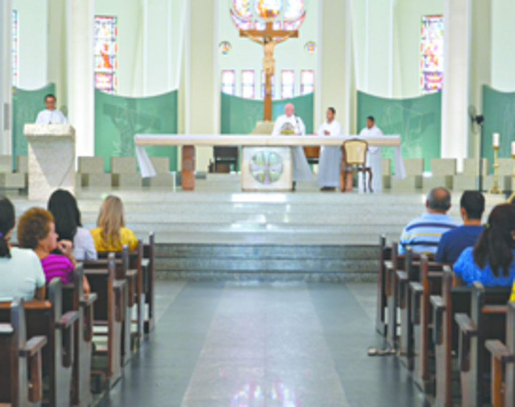 Durante a Copa do Mundo, dez igrejas de Fortaleza vão celebrar 29 missas em cinco idiomas - inglês, espanhol, alemão, francês e italiano