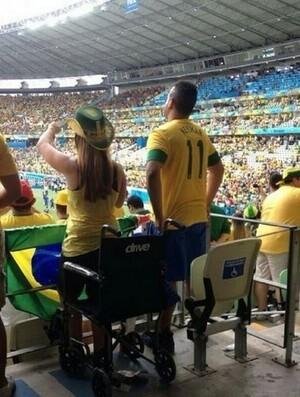 Foto circulou nas redes sociais após a partida entre Brasil e México, em Fortaleza