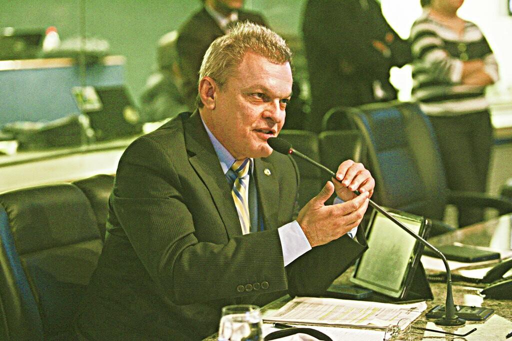 Deputado José Sarto, líder do Governo, encaminhou o processo de votação e disse que até o fim do ano entre 10 e 15 mil cirurgias serão feitas