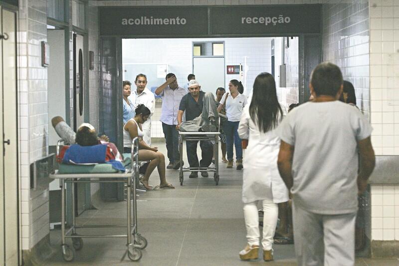 Para o presidente do CFM, Roberto d'Ávila, é preocupante o fato de que 71% dos brasileiros dependam da saúde pública