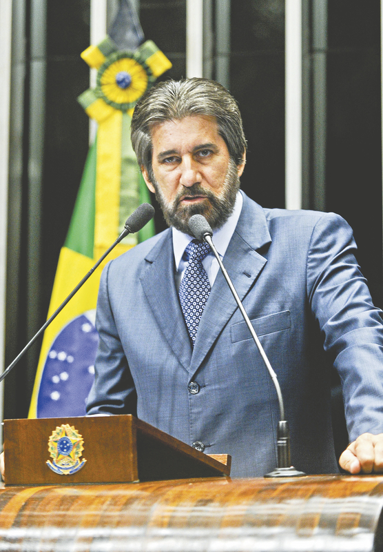 Relator do projeto, o senador Valdir Raupp (PMDB-RO) disse que o Planalto havia se comprometido com a sanção da proposta sem vetos