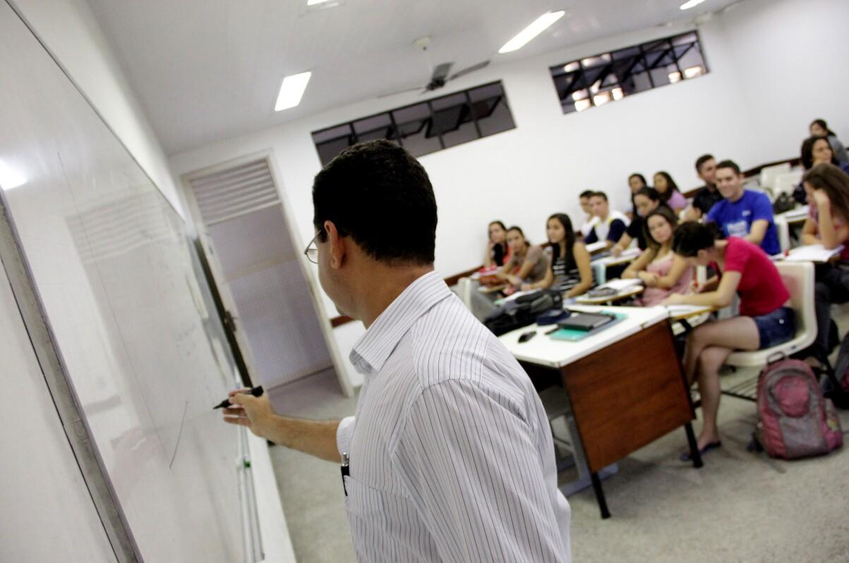 O Indep nacional no ensino médio ficou igual ao de 2011, 3,7 pontos